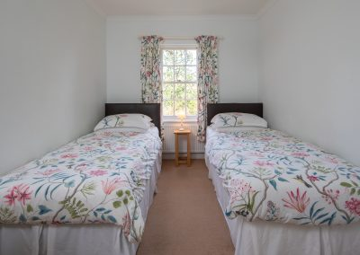 Colehayes Park - Cork Tree Cottage - Twin Bedroom